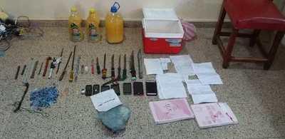 Decomisan drogas, celulares, estoques y cuchillos de la cárcel de Encarnación