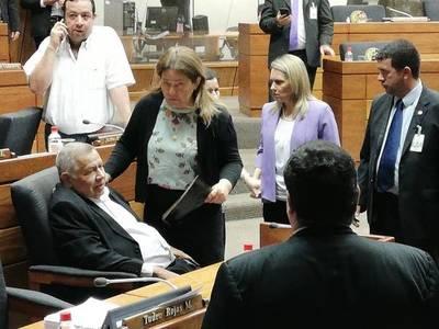 Diputado se desmayó antes del inicio de la sesión