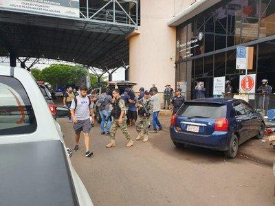 Paraguay expulsa a supuesto líder del Comando Vermelho