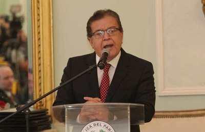 """Arenga de Nicanor a los jóvenes de Itapúa, contra """"parlamentarios que solo piensan en sus amigos y amantes"""""""