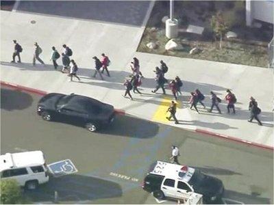 Al menos seis heridos en un tiroteo en una escuela de Los Ángeles