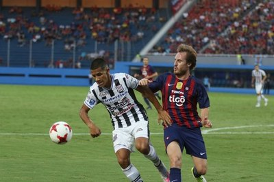 Iván Cazal está en la mira de un importante equipo de Europa