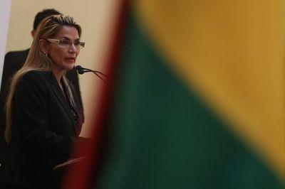 Gobierno interino de Áñez y partido de Morales inician diálogo para pacificar Bolivia