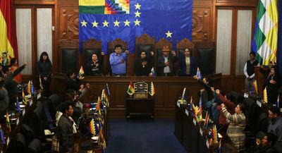 Partido de Evo Morales completa retoma de control de parlamento de Bolivia