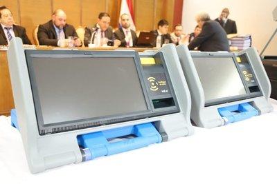 Contrataciones no halla irregularidades en la licitación para máquinas