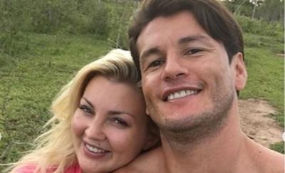 Nelson Haedo saludó a su esposa por su cumpleaños: 'La mujer de mis sueños', dijo