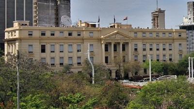 Funcionarios públicos podrán refinanciar deudas hasta G. 200 millones en mejores condiciones