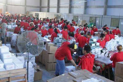 MEC inicia envío de kits escolares con objetivo de terminar antes de fin de año