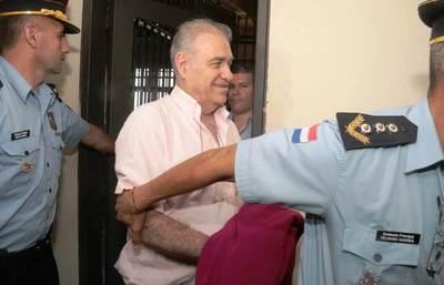 Ramón González Daher y su hijo fueron esposados y conducidos junto al juez Otazú •