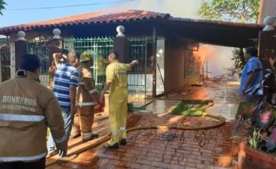 Carpintería ardió en llamas en Remansito