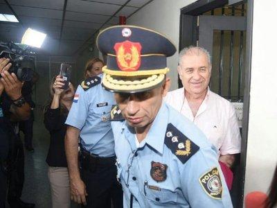 Dictan prisión preventiva a González Daher y su hijo