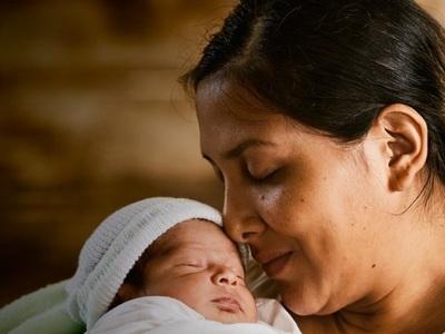 """Presentan programa global """"Un abrazo para cada bebé"""""""