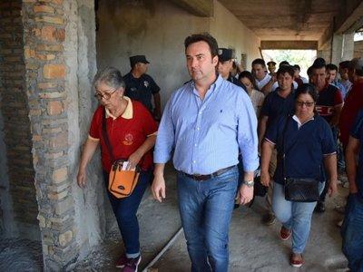 Presidente del IPS ordena suspensión de obra en Caazapá