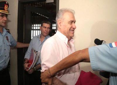 "López Moreira: ""Prepárate para 10 años de cárcel González Daher"""