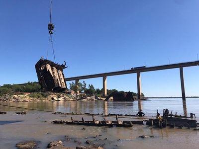 Inician rescate del buque Paraguarí pero critican el procedimiento
