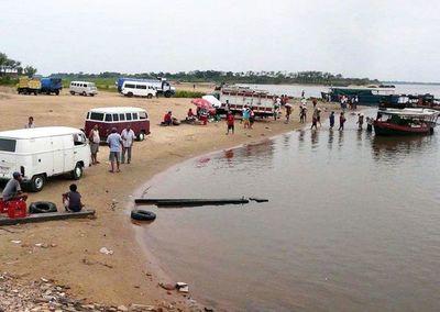 Dos jóvenes desaparecieron en aguas del río Paraguay en la zona de Itá Enramada
