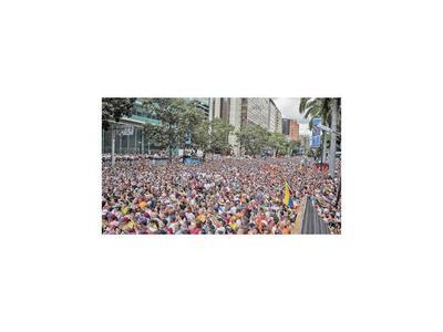 En masiva marcha, Guaidó pidió movilizarse hasta caída de Maduro