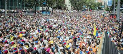 Venezolanos buscan seguir ejemplo boliviano para vencer al chavismo