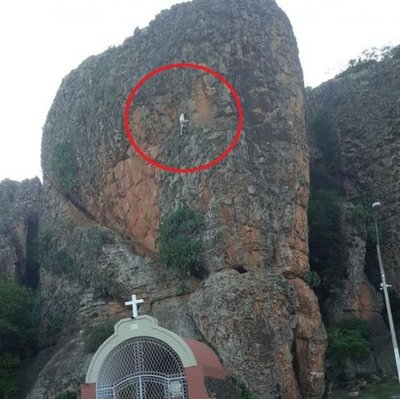 Extranjero cae desde la cima del cerro Cabayú