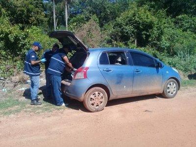 Auto en que huyeron asesinos de comisario es hallado en Concepción
