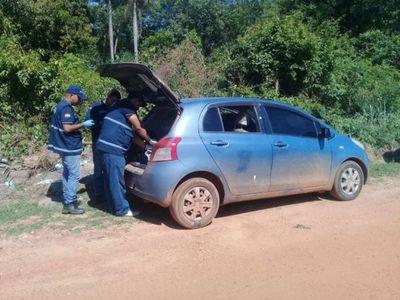 Hallan automóvil en que escaparon asesinos del comisario