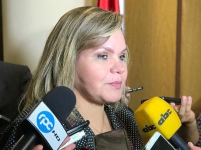 Ulises Quintana como cualquiera tiene derecho a candidatarse, sostiene senadora colorada