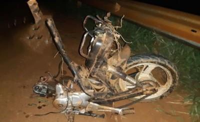 Motociclista quedó partido en dos tras ser embestido por un automóvil