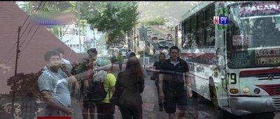 Levantan regulada de buses