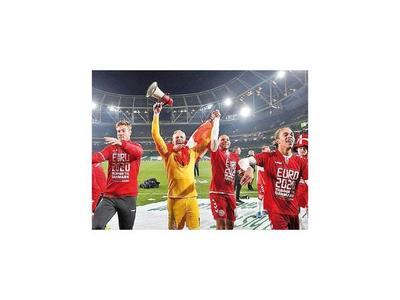 Dinamarca y Suiza van a la Euro 2020