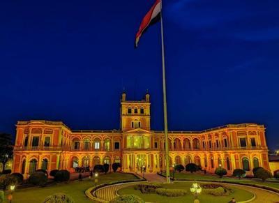 Palacio de Gobierno iluminado de color anaranjado en adhesión a lucha contra violencia a la mujer