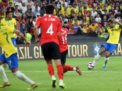Brasil corta una racha de cinco juegos sin ganar