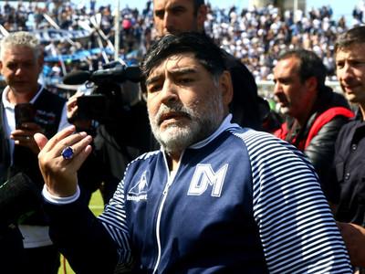 Maradona ya no es técnico de Gimnasia y Esgrima La Plata