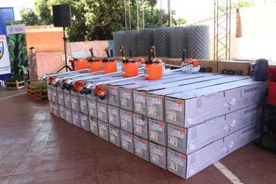 Productores de Belén reciben insumos y maquinarias agrícolas