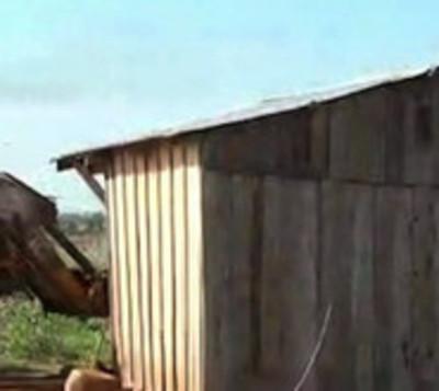 Gran operativo de desalojo en Campos Morombí