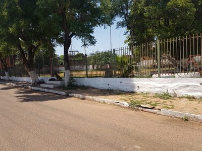 Plaza Kennedy: Llaveada por inseguridad