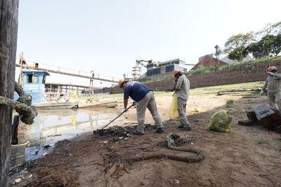 Estudiantes dicen si a la limpieza de la ribera del río