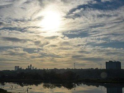 Meteorología anuncia un miércoles con ambiente caluroso y sin lluvias