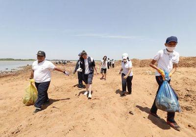 """Estudiantes de San Antonio dicen """"sí"""" a recuperación de playa"""