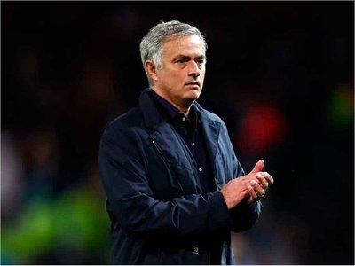 Mourinho es el nuevo entrenador del Tottenham tras destitución de Pochettino
