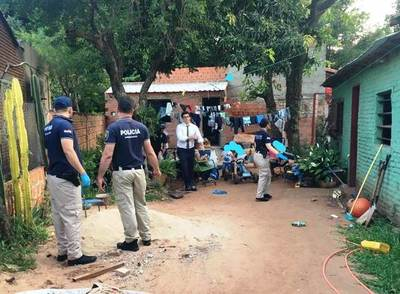 Antidrogas allanan vivienda en Luque •