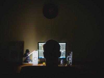 """Tarjetas SIM y redes sociales en mira de """"hackers"""" para 2020"""