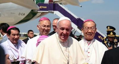 El Papa Francisco llegó a Tailandia