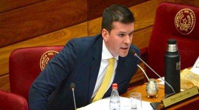 Senador cartista aclara que no participó de ninguna reunión sobre caso Messer