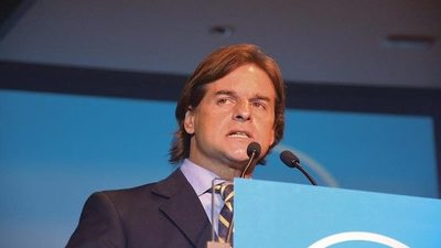 Todas las encuestas dan como favorito a Lacalle en Uruguay