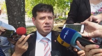 Nicanor raja de la EBY a José Bogado, funcionario comisionado del Ministerio del Interior