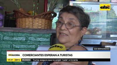 San Bernardino: Comerciantes esperan a turistas