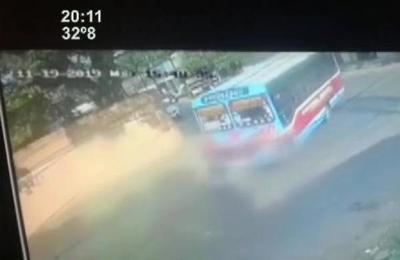 Trágico accidente: Bus le pasó encima a un hombre