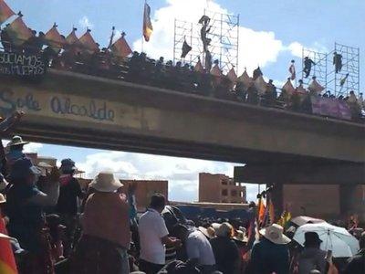 Áñez remite ley al Congreso para convocar a elecciones en Bolivia