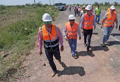 Equipo técnico del MOPC verificó avance de obras en la Transchaco