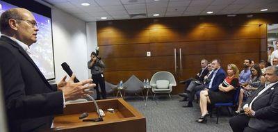 """El Ejecutivo """"tiene claro"""" lo que va a hacer para la renegociación de Itaipú"""